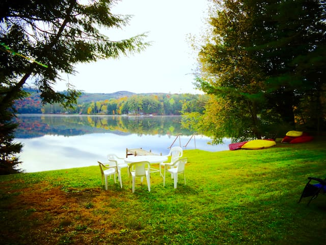 Lake Fairlee Cape, Private Dock & Spacious Lawn - Fairlee