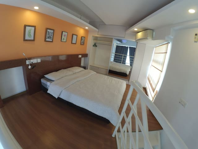 Pillow talk@The CEO Duplex Loft*A/port 6.5km*wifi*