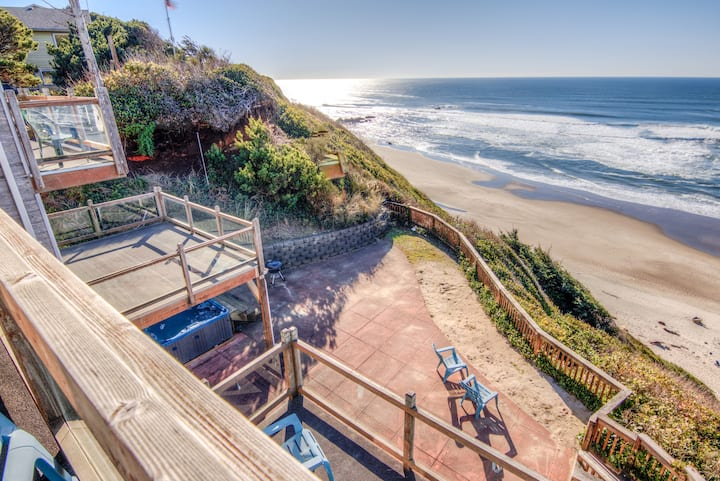 Whale Watcher Cliff-top Oceanfront Home has Panoramic Views, Hot Tub, & Five Bedrooms