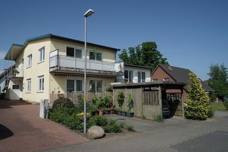 Stadtnahe, helle, grosszügige Wohnung mit Balkon - Kappeln