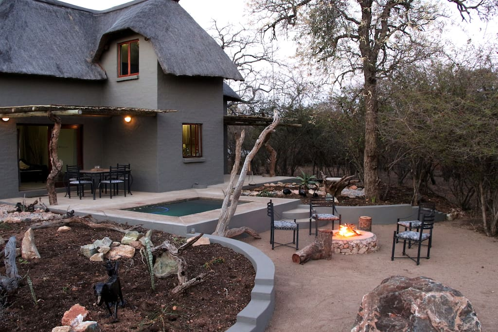 Fireplace and BBQ/braai area