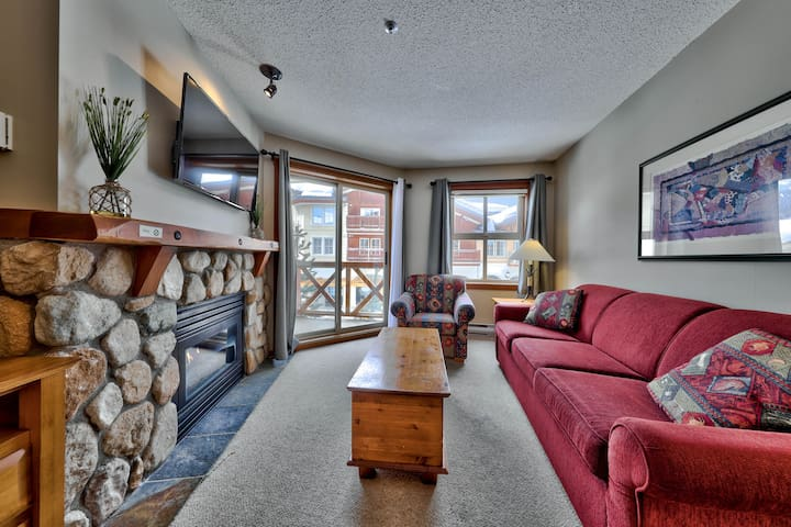 Best Condo Heart of Sun Peaks-Fireside Lodge
