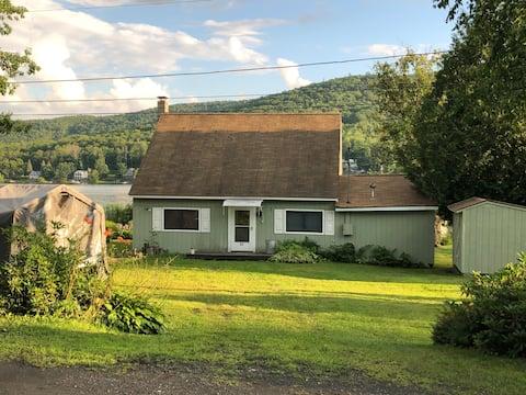 Mascoma Lake Quiet Cottage