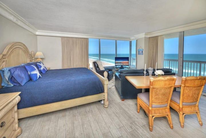 Daytona Beach Resort - Corner Studio - Panoramic View !!