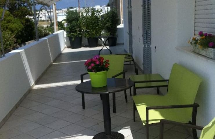 Ampio bilocale con bellissima terrazza panoramica - Leuca - Pis