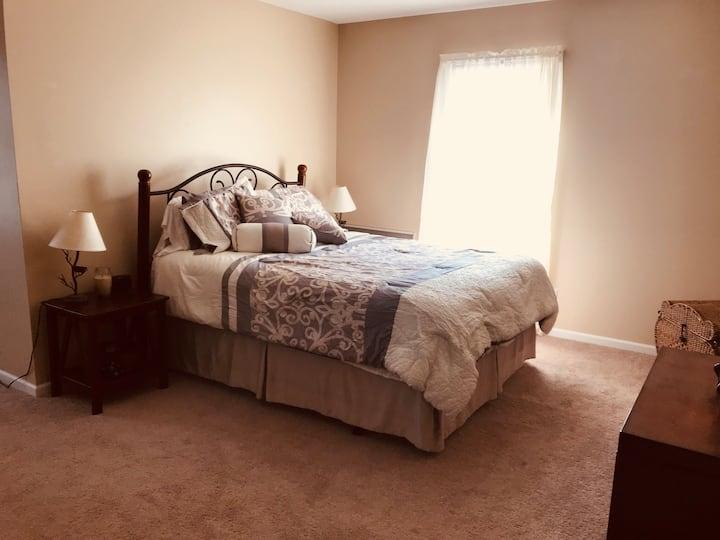 Three bedroom upstairs retreat - jacuzzi access