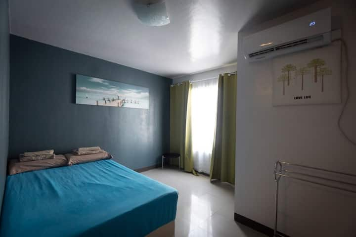 Bed & Shower (B10) Condo Unit H. Cortes w/ Netflix