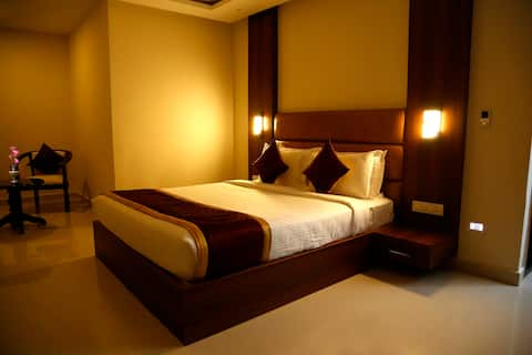 iROOMZ Lakshmi Palace Deluxe Room