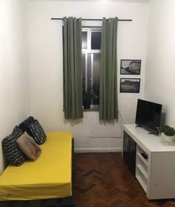 Apartamento Quarto e Sala Em Copacabana - Rio de Janeiro