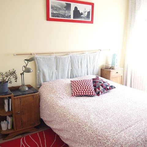 Chambre avec salle de bain indépendante - Mur-de-Barrez - Daire