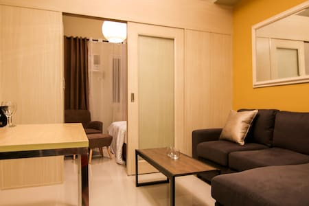 Penthouse at Light Residences - 50Mbps - Two Beds! - แมนดาลูยอง