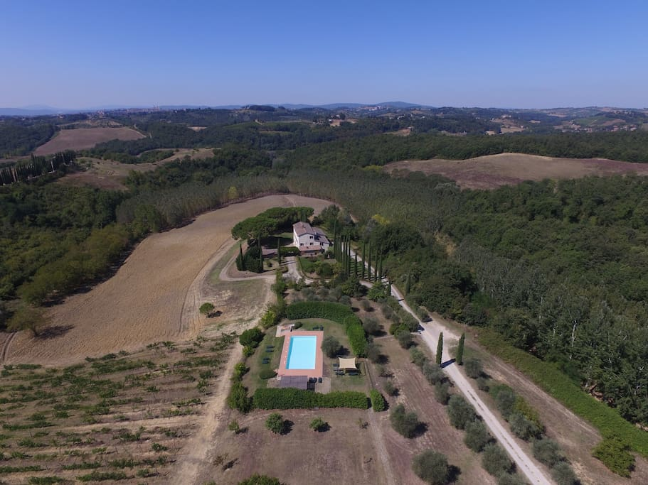 Air picture of Canova and the shared swimming pool