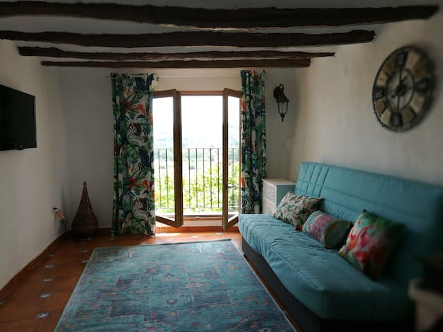 La Vía Verde, una casa con vistas a la montaña