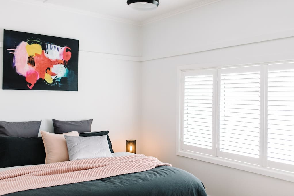 All bedrooms may be configured as either 1 king bed or 2 single beds