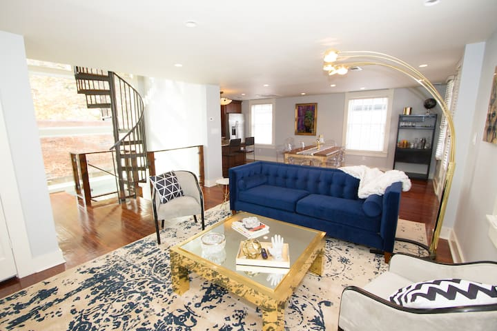 Perfect Bywater Stunner!: 2-bed + 3 bath