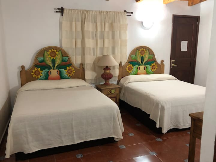 EXCELENTE HOTEL EN EL CORAZÓN DE TLALPUJAHUA