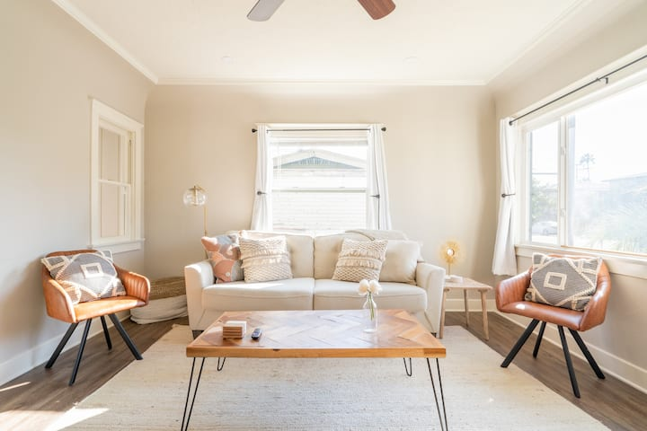 Remodeled cottage in North Park - walk everywhere