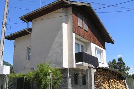 Villa with city and mountain view - Devin - Villa