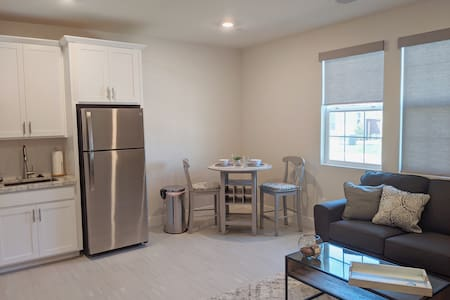 Private 1BR/1BA Unit in Beautiful New Folsom Ranch