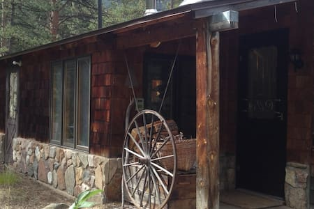 Mountain Cabin in Poudre Canyon - Bellvue