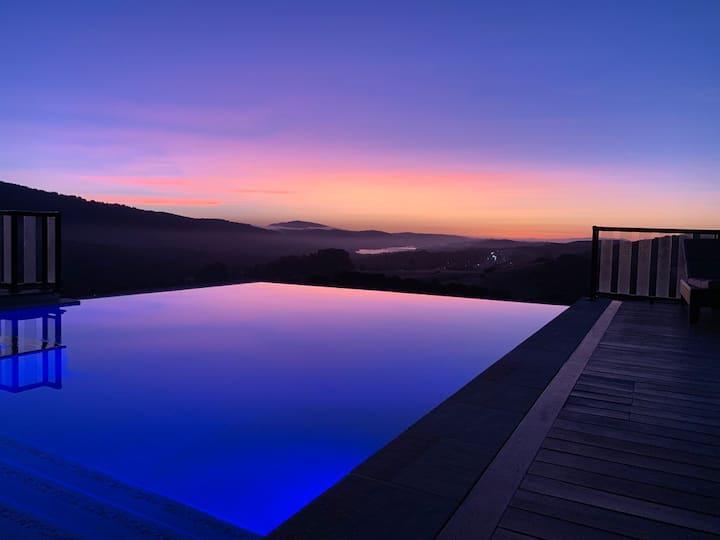 Stunning California Resort & Infinity Pool