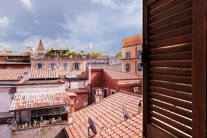Secret Calisto Amazing View on Trastevere Rooftops