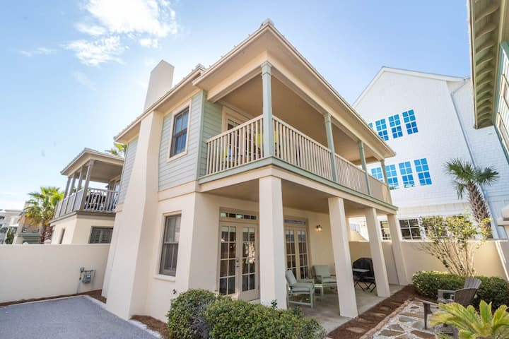 Mare-e-Sole~South of 30A, Comm Pool! Walk/Bike to Rosemary! 2 Bikes included!