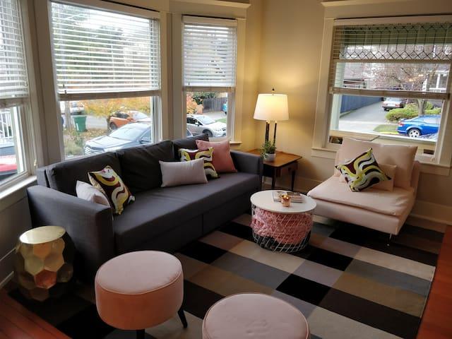 Contemporary living in BrightBird House of Ballard