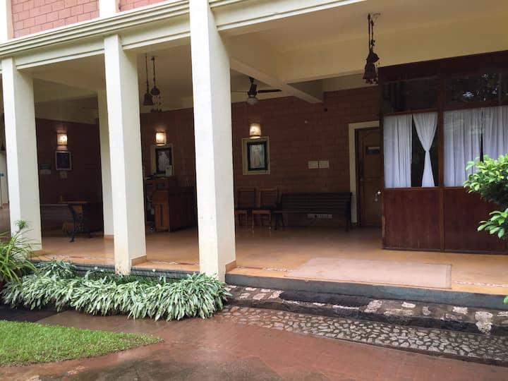 Marigold Hotel (Room 16)