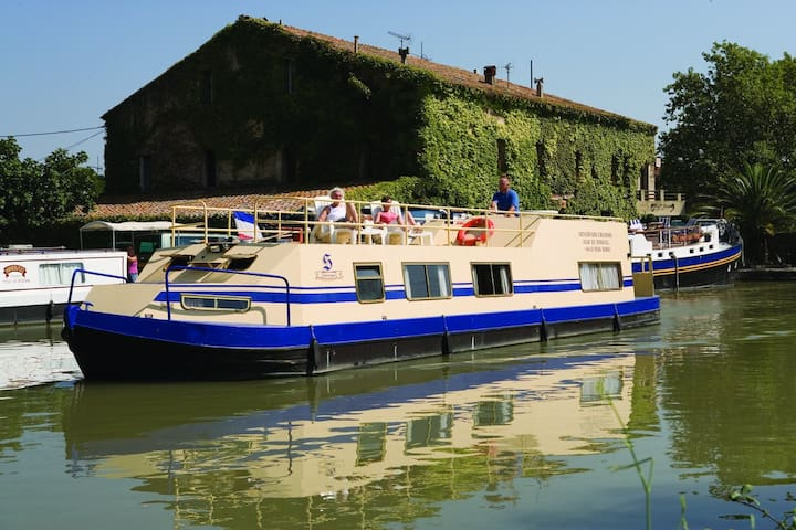 Wide Beam Steel Canal Boat on Canal du Midi