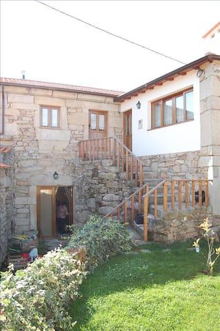 Outros Tempos - Casa do Avô do Soito - T3 - Aricera - Rumah