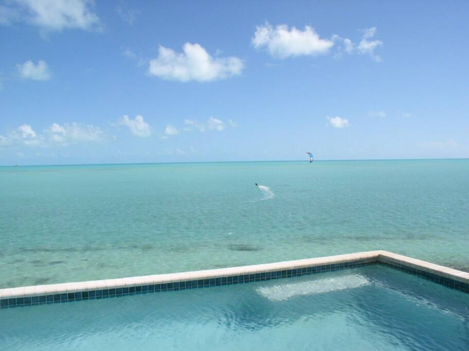WHERE THE POOL MEETS THE SEA & KITEBOARDERS