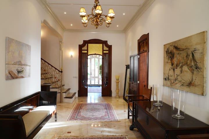 Luxury Villa Bed and Breakfast Guest room 1 - Sant Joan - ที่พักพร้อมอาหารเช้า