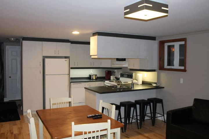 1 bedroom apart. near Village Vacances Valcartier
