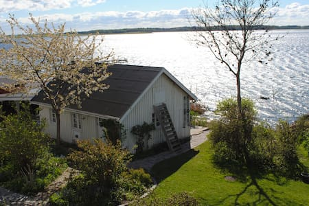 Jyllinge - 43m2 annex to villa -  waterfront