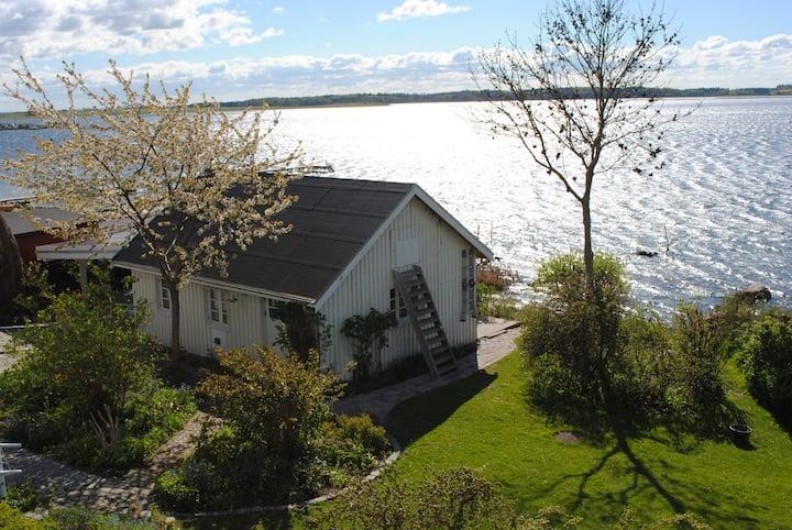 Jyllinge - 43m2 annex to villa -  waterfront
