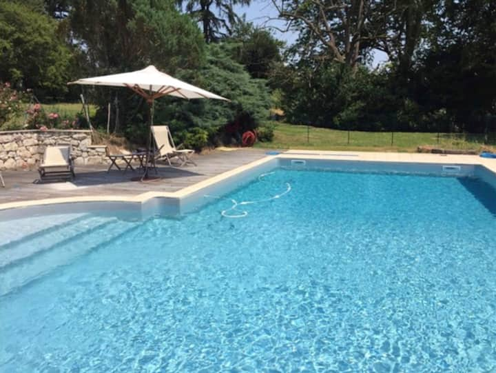 Villa with 10 bedrooms in Villeneuve-sur-Lot, with wonderful city view, private pool and furnished garden