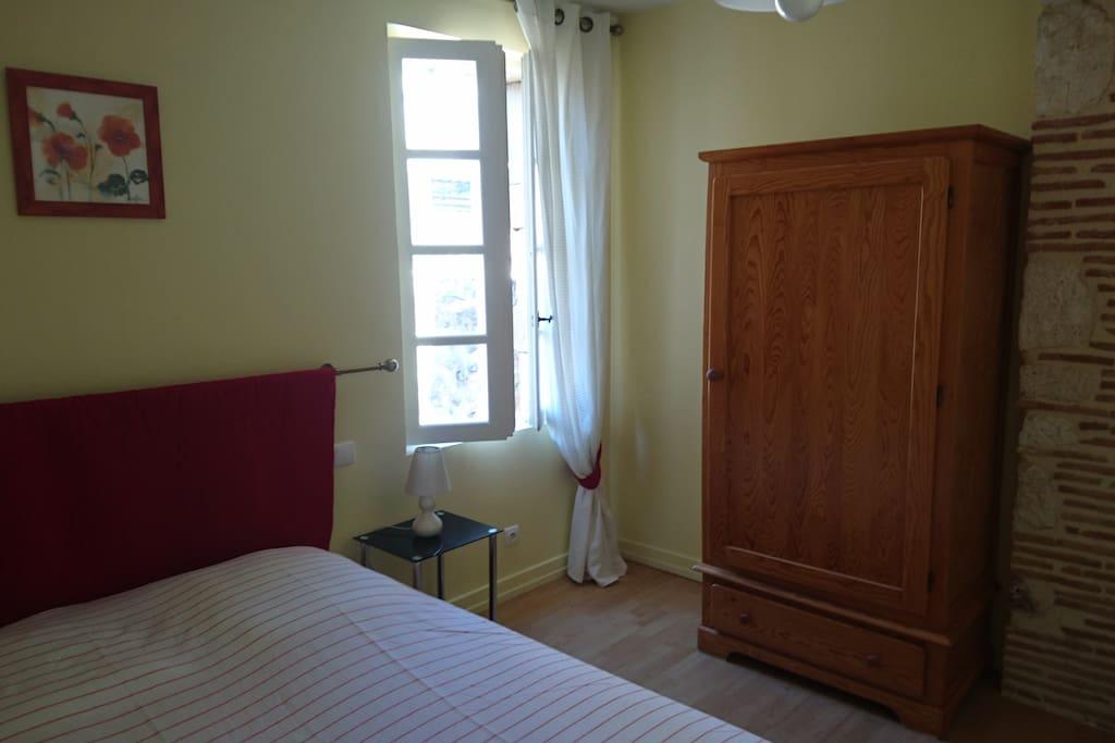 la chambre jaune lit de 140