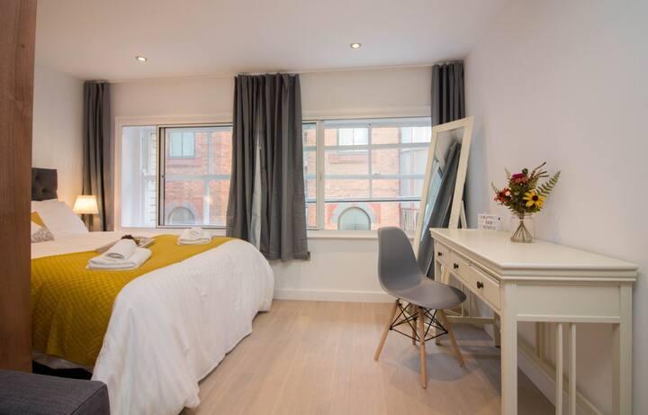 InTown - Victoria Street Apartment 8