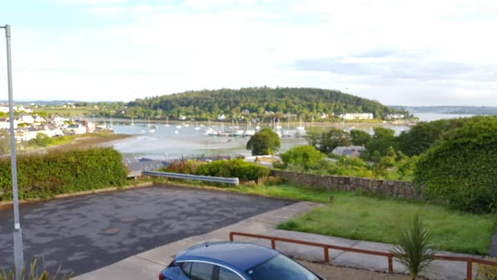 Comfy double room in the heart of Crosshaven