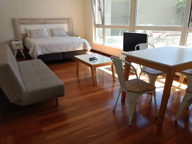 BA Modern Studio in Luxury Quartier San Temo