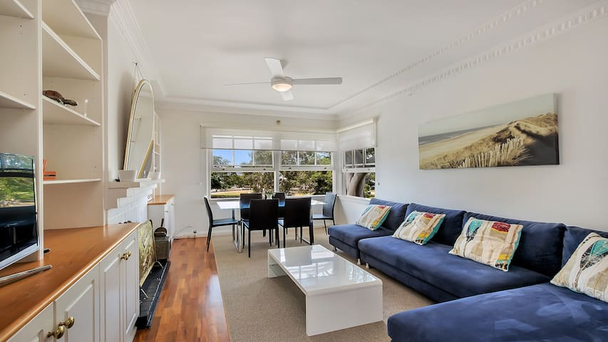 Balmoral Beachfront Apartment Stunning Views Apartments For Rent In Balmoral Beach New South Wales Australia