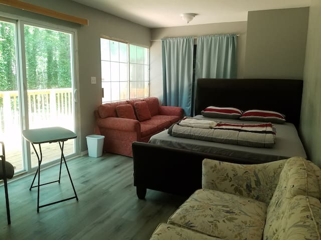 Spacious Room V Duluth Lilburn Johns Creek Tucker