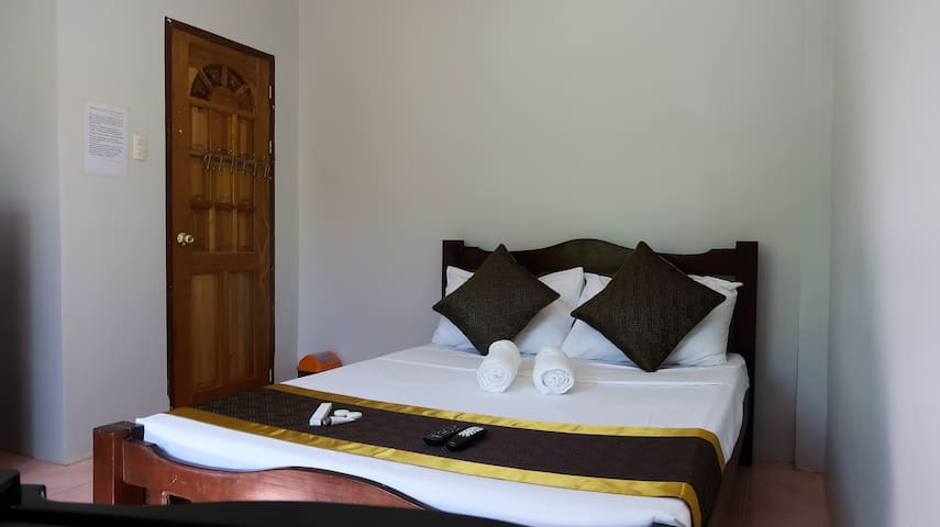 Double Room with A/C #3 - Day Dream Guest House