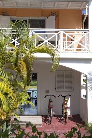 Stylish house - waterfront