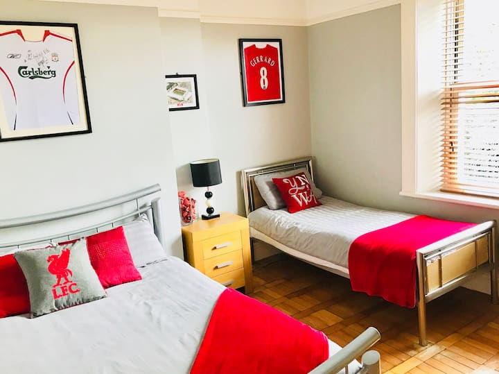 Room 5, The Anfield B&B, 100 yards from LFC!!