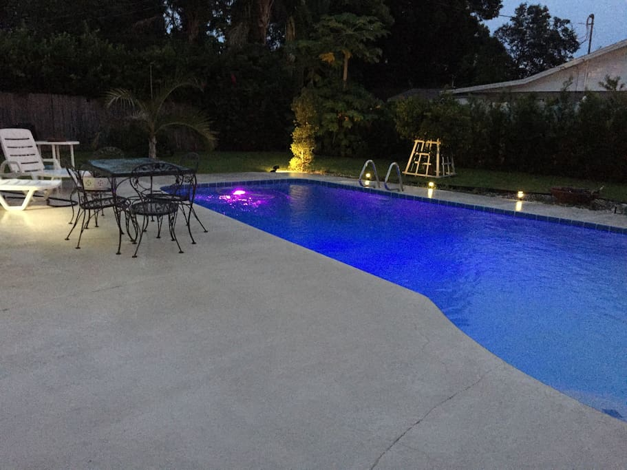 A house in winter park orlando holiday homes for for Pool show orlando florida