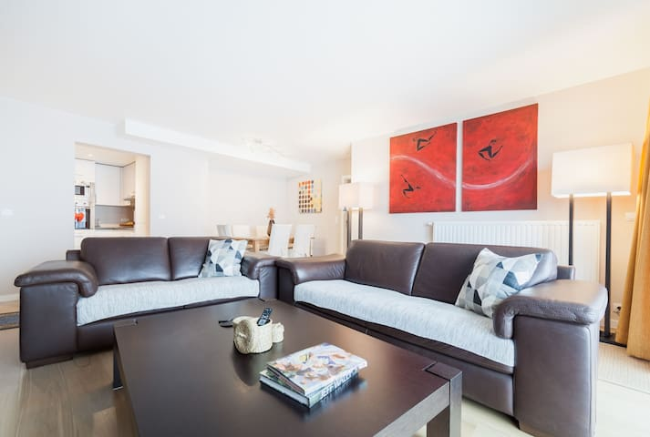 Brand New Grand Place - modern spacious  apartment