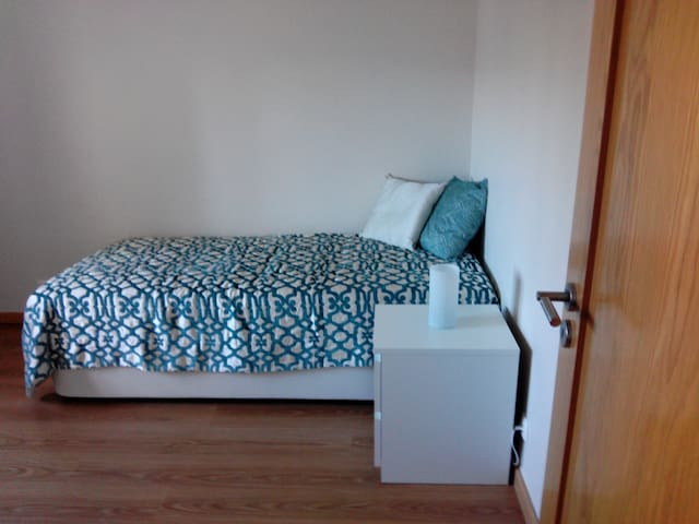 Cozy room for travelers - Odivelas - Byt