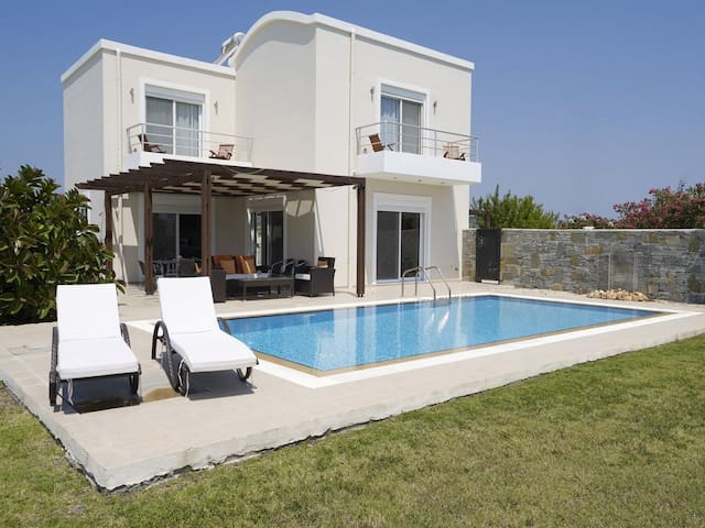 Villa Petalutha with Private Pool & Sea Views - Afantou - Villa